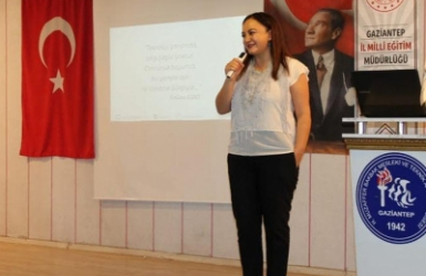 Nalan KURT 'un Kaleminden. Kız öğrencilerimize girişimcilik hikayemiz ve dijitalleşmeyi anlattık