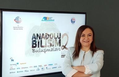 Nalan KURT 'un Kaleminden. Bilişime kadın eli - Haber Türk